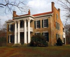 Glen Leven estate, the more than 150-year-old Oak Hill home that served as a field hospital during the Battle of Nashville has been preserved along with the 65 acres of open land surrounding it. The Glen Leven estate is the largest piece of Nashville's Civil War battlefield still intact, according to Civil War preservation expert and former BONPS president Doug Jones.