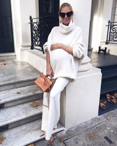 """2,912 Likes, 95 Comments - Laura Wills (@thefashionbugblog) on Instagram: """"What a beautiful Monday morning Wearing winter whites today - one of my go-to looks for this…"""""""