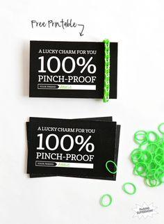 Cute FREE printable gift tag  for Rainbow Loom Lucky Charm via @PagingSupermom.com.com.com for St. Patrick's Day #RainbowLoom