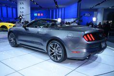 2015 Ford Mustang live photos: 2014 Detroit Auto Show | Car Fanatics Blog
