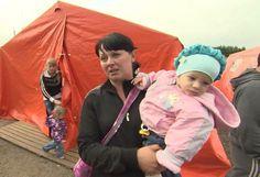 Profughi di Slavyansk. Le autorità di Kiev non fanno uscire la popolazione civile dalla città. Continuano bombardamenti