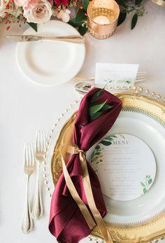 Gold china with burgandy napkin and menu similar to your invitations Maroon Wedding, Burgundy Wedding, Autumn Wedding, Fall Wedding Centerpieces, Wedding Decorations, Table Decorations, Wedding Napkins, Wedding Tables, Wedding Cake