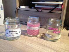 Maak van lege potjes leuke pennenbakjes of andere leuk versierde opbergpotjes! http://nouk-san.nl/doe-het-zelf-potjes-pimpen/