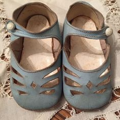 ADORABLE Vintage 1920's Wee Walkers Blue Leather Button Baby / Childs Shoes in | eBay