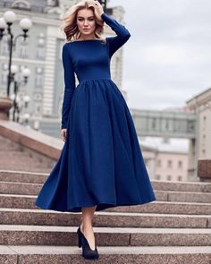 everything is so perfect about this outfit! Modest Dresses, Modest Outfits, Modest Fashion, Elegant Dresses, Hijab Fashion, Pretty Dresses, Vintage Dresses, Beautiful Dresses, Fashion Dresses