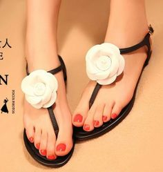 ENMAYER 2014 New Fashion Women Gladiator T Straps Bohemia Flower Sandals / Women Summer Shoes Flat Heels Casual Chic Sandals $56.33 - 60.33
