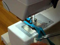 La pose du biais en une seule couture, dans les courbes, dans les angles, avec le pied pose biais, adaptable sur différentes marques de machines à coudre. http://www.ecolaines.com/249-pieds-de...   Pied à biais - Ecolaines