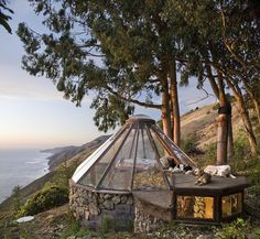 Enjoying the view of Big Sur & the sunsets & stars & moon. Big Sur Glass Roof Yurt Built in 1976 Dome Greenhouse, Greenhouse Ideas, Big Sur California, California Room, California Travel, Cottages By The Sea, Tiny Cottages, Glass Roof, Glass Ceiling