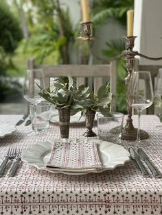 We recently launched India's Family Collection, a curated selection of hand block printed table linens, all personally designed by India as a series of personal stories, inspired by her life and surroundings. This first group of three prints will be shared for just a moment, and then quickly retired, as we quickly plot future collections! #indiahicks #innovation #collaboration #anentertainingstory #setthetable #tablesetting #tabledecor #tablescapes #indiahickshome #socrates Domino Table, Linen Shop, Wedding Fabric, Placemat Sets, Napkins Set, Table Covers, Table Linens, Table Runners, Tablescapes