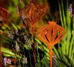 Poppy Garden Sculpture | Contemporary Garden Sculptures