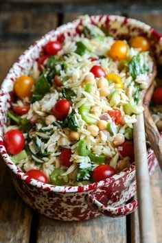 Tuna and Orzo Pasta Salad - One bowl is all you need for this beauty! And its HEALTHY! from Megan Country Cleaver Seafood Pasta, Penne Pasta, Tuna Pasta, Cream Of Tomato Soup, How To Cook Orzo, Cooking Recipes, Healthy Recipes, Delicious Recipes, Tuna Recipes