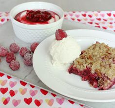 Recipes for both Fresh Raspberry Syrup and Red Raspberry Crisp. It's raspberry season! #raspberries #fruitdessert
