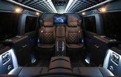 Máxima discreción con la furgoneta de lujo Carisma Viano V1, cuando las limusinas no son opción