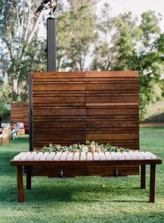 Set at the ever-fabulous Ojai Valley Inn, this wedding style lives at the intersection of rustic and modern. Think long farm tables paired with sleek Eames chairs for an unexpected look captured by Mi...