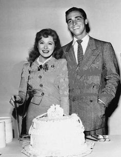 Greer Garson & Richard Ney's wedding day.