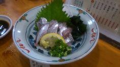 大阪の大先輩と博多で一献! 鰯刺しです。