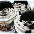 Vegan Cookies and Cream Cupcakes - A Vegan Blogging Extravaganza at The Flaming Vegan
