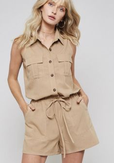 FashionGo is an online wholesale clothing marketplace where hundreds of manufacturers and wholesalers provide clothing, apparel, accessories, shoes, handbags and a variety of fashion related items. Suit Fashion, Fashion 2020, Womens Fashion, Safari Dress, Disneyland Outfits, Travel Outfit Summer, Collar Designs, Lovely Dresses, Western Wear