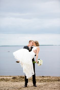 Hääpotretti / hääkuva. Meri. Weddings, sea.