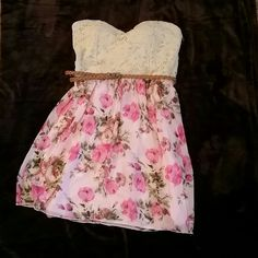 Strapless Floral Dress Strapless Floral Dress from Rue 21. Size large. Good condition. Only worn a few times. Rue 21 Dresses Strapless