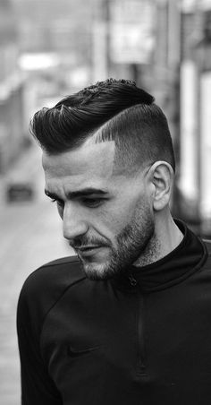 Every men is getting fade hairstyles for him day by day.To make it easy for you, we have shortlisted 30 top fade hairstyles for men in Mens Hairstyles Fade, Cool Hairstyles For Men, Popular Hairstyles, Cool Haircuts, Haircuts For Men, Straight Hairstyles, Top Hairstyles, Hair And Beard Styles, Curly Hair Styles