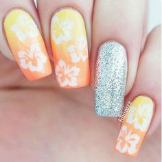 ☀️Dreaming of summer! Lovin' this cheerful mani by @liliumzz! ☀️ - Hibiscus Nail Decals  snailvinyls.com