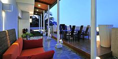 Sophisticated Contemporary Bungalow Design Gives Special Moments: Awesome Porch At Contemporary Bungalow With Outdoor Dining Area ~ NeoNebu