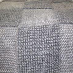 Neliömalliston matto