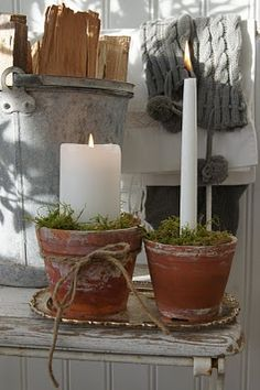 13 very nice and fun ideas on how to plant terracotta .- 13 sehr schöne und lustige Ideen, wie man Terrakotta Pflanztöpfe verzieren kan… 13 very nice and fun ideas on how to decorate terracotta plant pots! Winter Christmas, Christmas Time, Christmas Crafts, Christmas Decorations, Xmas, Holiday Decor, Candle Decorations, Christmas Candles, Outdoor Table Centerpieces