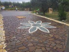 Fiore in pietra di Trani e Luserna