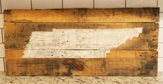 Handmade US State Tennessee Sign Pallet Crafts, Pallet Art, Wood Crafts, Above Tv Decor, Barn Wood Signs, Pallet Signs, State Of Tennessee, Barn Wood Projects, Woodworking Projects That Sell