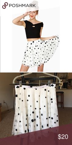 ♠️✨Nasty Gal In Shape Skater Skirt✨♠️ White Skater skirt with a a sheer layer that has black and white velvet circles and squares.▪️⬜️⚫️⚪️ Nasty Gal Skirts