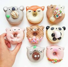 Animal donuts by Vickie Liu ( - sweet kings - desserts, Mini Donuts, Cute Donuts, Doughnuts, Fried Donuts, Delicious Donuts, Yummy Food, Dessert Kawaii, Yummy Treats, Sweet Treats