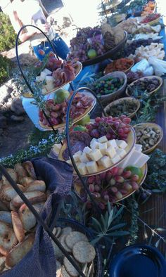 Antipasto platters for outdoor party. Fruit and cheese. Wine And Cheese Party, Wine Tasting Party, Wine Parties, Wine Cheese, Meat Platter, Food Platters, Cheese Platters, Brunch Mesa, Paella Party