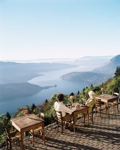 Indulge in an outdoor dining experience like no other when you travel to Montmin, #France. Overlook the French Alps with a glass of wine and some great company for an amazing trip.