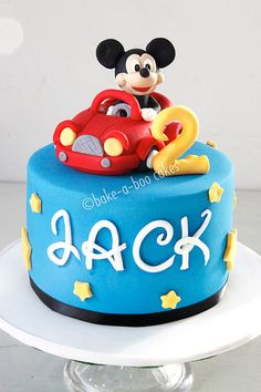 Mickey Mouse cake this would be perfect for my little man's 2nd Birthday!