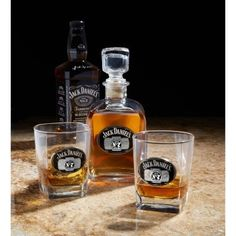 e2d48f317d1 Lift your spirits and impress your guests with a Jack Daniel's Set. This  complete set