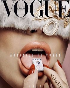 Find tips and tricks, amazing ideas for Vogue. Discover and try out new things about Vogue site Capas Vintage Da Vogue, Vogue Vintage, Vintage Vogue Covers, Classy Aesthetic, Bad Girl Aesthetic, Aesthetic Vintage, Aesthetic Photo, Bedroom Wall Collage, Photo Wall Collage