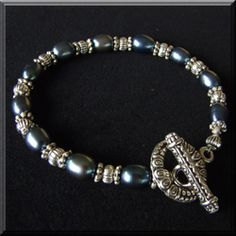 Black pearl and silver bead bracelet. Beaded bracelet gallery.