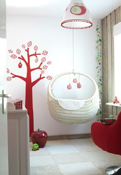 amazing hanging crib / bassinet