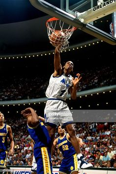 Portable Basketball Hoop, Mba Basketball, Basketball Skills, Basketball Pictures, Basketball Legends, Basketball Players, Nba Stars, Sports Stars, Slam Dunk