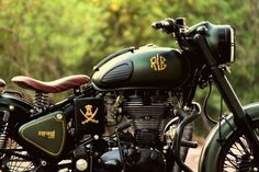 Royal Enfield Classic 500 Customised With a Classic Military Touch | Gaadiwaadi.com