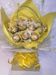 Ferrero Rocher Chocolate Bouquet in Yellow/Cream Ferrero Rocher Bouquet, Ferrero Rocher Chocolates, Chocolate Bouquet, Yellow Cream, How To Make Chocolate, Vintage Gifts, Jewelry Crafts, Bouquets, Sweet Treats