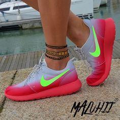 Nike Roshe Run #Nike #Roshe #Run ❤️Pinterest: Jayde S.