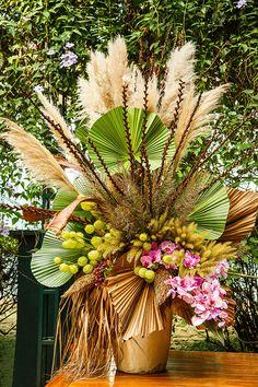 alternatives to wedding flowers Beautiful Flower Arrangements, Wedding Flower Arrangements, Floral Arrangements, Beautiful Flowers, Wedding Flowers, Tropical Centerpieces, Flower Centerpieces, Flower Decorations, Wedding Decorations