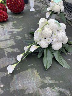 Funeral Flowers, Ikebana, Floral Wreath, Wreaths, Garden, Projects, Rose, Decor, Beautiful Flower Arrangements
