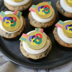 Olympic Gold Medal Cupcakes (Cookies and Cream Cupcakes)