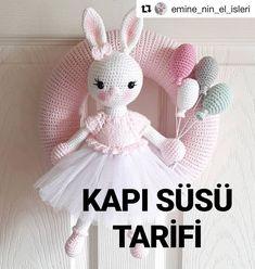 Crochet Bunny, Crochet Animals, Crochet Toys, Knit Crochet, Crochet Wreath, Amigurumi Toys, Stuffed Toys Patterns, Eminem, Baby Dolls