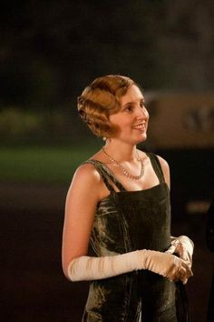Downton Abbey, Edith.
