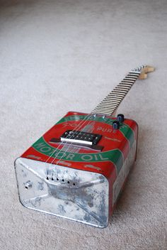 Oil Can Guitars - Rolig Guitars